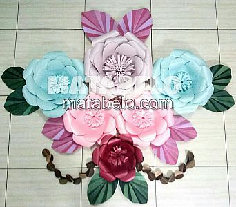 PAPER FLOWER BACKDROP 4